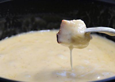Fondue au fromage et camping d'hiver